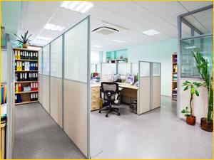 Пример размещения офисной перегородки для разделения офиса