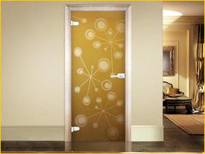Вариант стеклянной двери с рисунком в ванную комнату и туалет